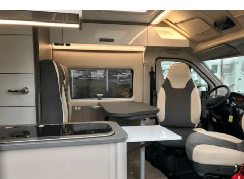 camping-car CHALLENGER V 114 MAX   intérieur / coin salon